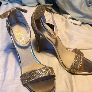 Shoes - Gold glitter Mickey Mouse heels